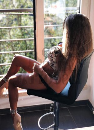Alissone escort girl in Schaumburg IL