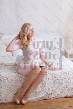 Divia ts escort girl in St. Charles Missouri