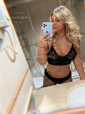 Kahina escort girls in East San Gabriel