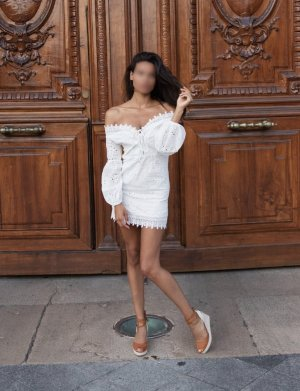 Marie-nancy live escorts