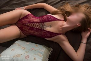 Araceli escort in Greenville